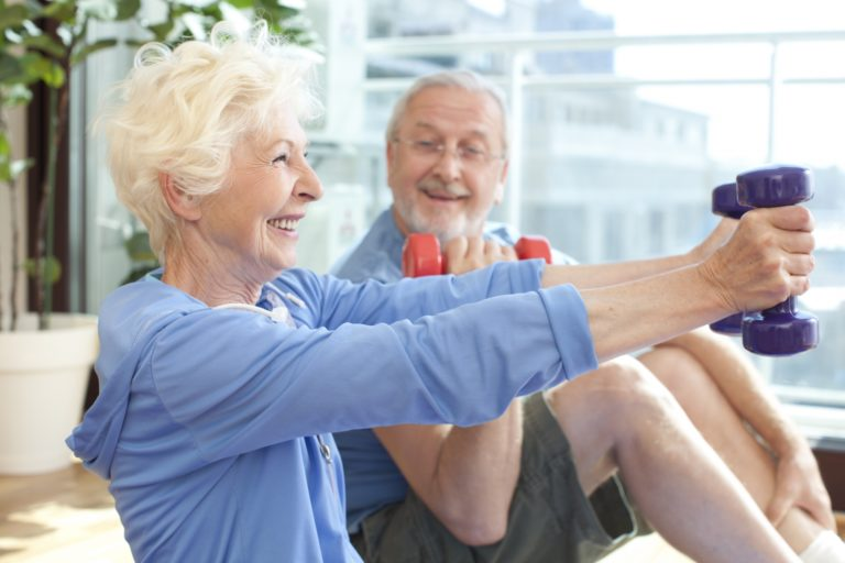 筋トレは50代からでも間に合う!?筋力強化に適した年齢とは?