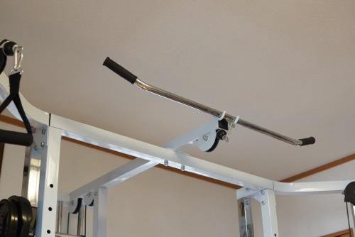 バストアップで鍛えるのは胸ではなく背中の筋肉!