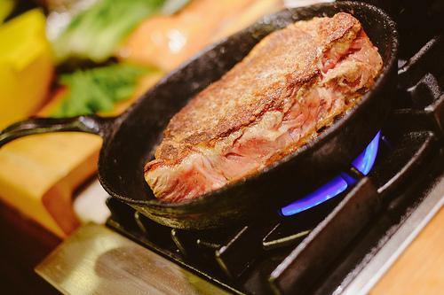 タンパク質の摂りすぎは健康に悪い?